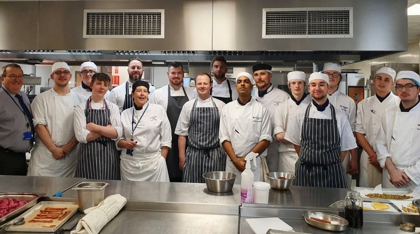 Top chefs team up with college students for charity dinner