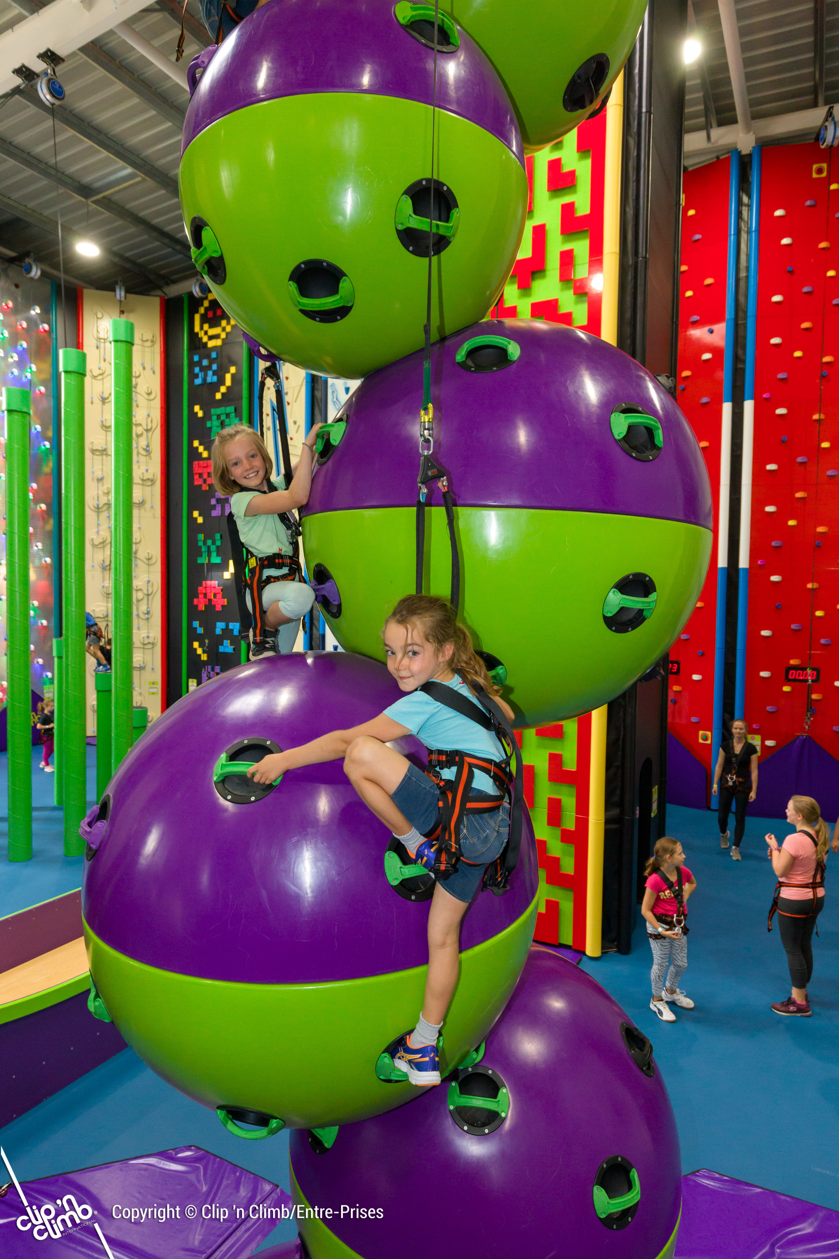 Wicksteed Park invests £700,000 in Clip 'n Climb family climbing attraction